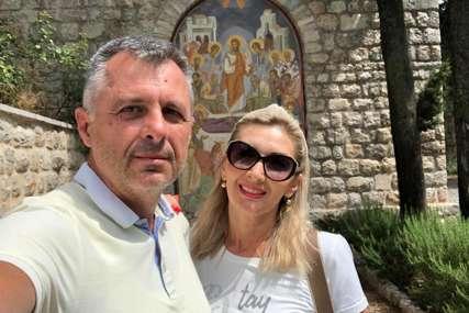 TRAŽI DUHOVNI MIR Radojičić sa suprugom u hercegovačkom manastiru (FOTO)