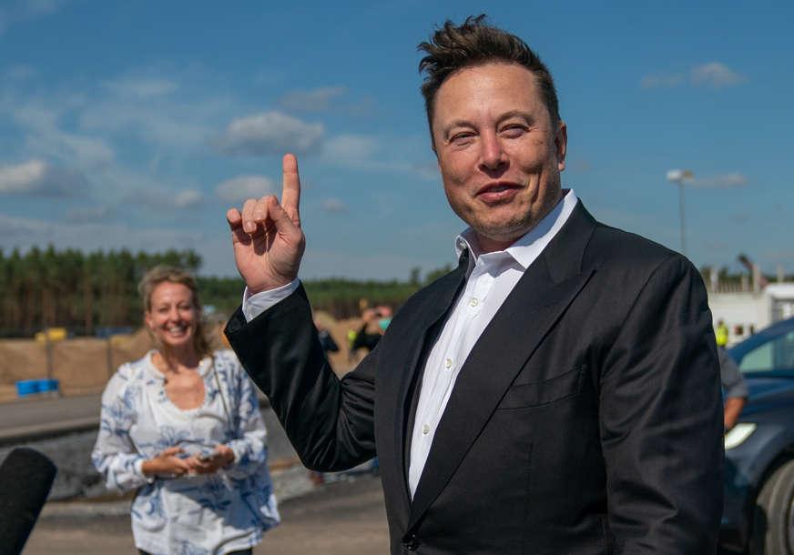 """Ilon Mask """"zapalio"""" društvene mreže: Tesla je rođen u Hrvatskoj, roditelji su mu bili Srbi"""