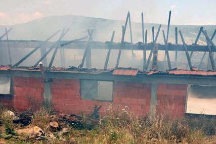 Uništeno što su decenijama sticali: Potrebna pomoć porodici koja je u požaru izgubila gotovo sve