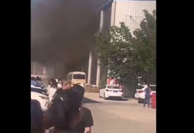 Veliki požar u Kini: U vatrenoj stihiji koja je zahvatila skladište stradalo desetine ljudi (VIDEO)