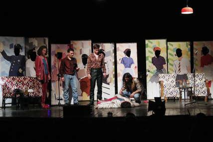 Mozzart domaćin četvrte festivalske večeri: Banjaluka centar kulturnih zbivanja, ovacije na Teatar festu (FOTO)