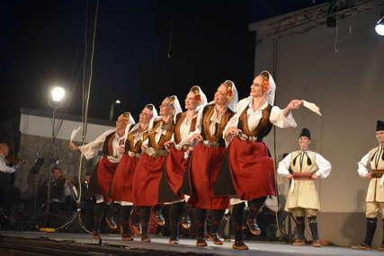 """Završen međunarodni festival folklora """"Kozarsko kolo"""" (FOTO)"""