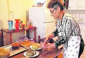 Jedan kulinarski trik daje mu posebnu draž: Marica ostala bez posla, a danas pravi jedan od NAJZDRAVIJIH SPECIJALITETA