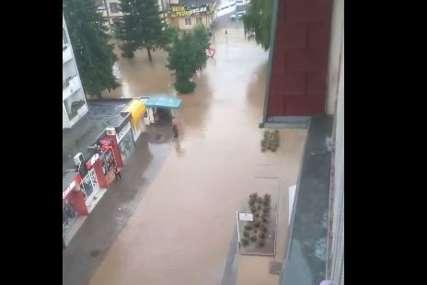 Na nogama jedinice Civilne zaštite: Voda se povukla iz centra Modriče, ugroženo naselje Srpska varoš