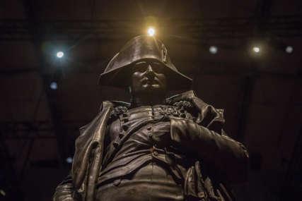 Napoleonov šešir na aukciji za 600.000 evra u Parizu
