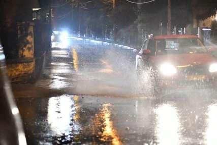U Istri kiša OBOJILA automobile i krovove: Nevrijeme protutnjalo Hrvatskom (FOTO)