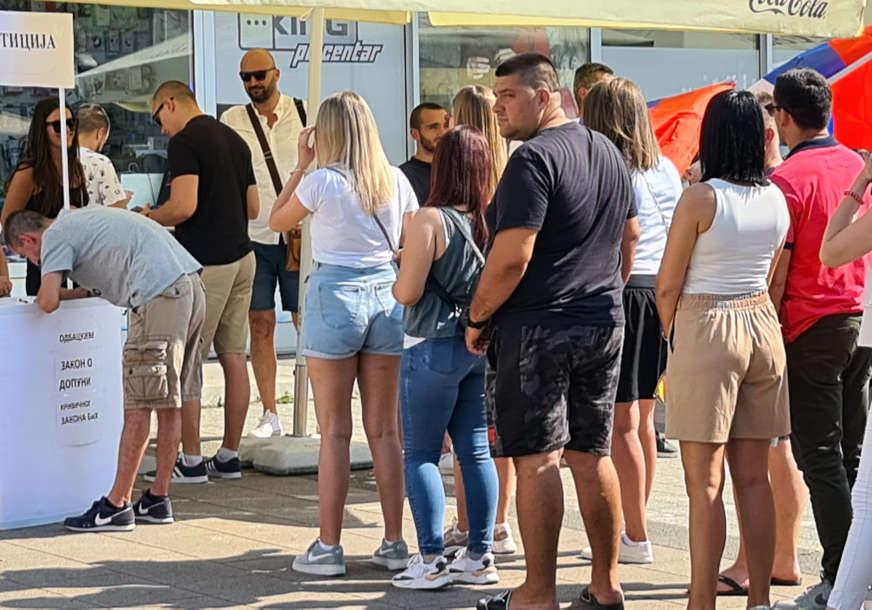 """""""Zaboravimo na boje stranačkih dresova"""" Potpisivanje peticije protiv odluke Valentina Incka i u Doboju"""