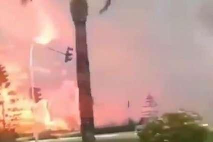 POŽARI BUKTE U TURSKOJ Vatrena stihija sve bliža ljetovalištu, plamenovi visoki nekoliko metara (VIDEO)