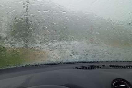 REKORDNE PADAVINE U ŠVAJCARSKOJ Kiša izazvala poplave i haos u saobraćaju