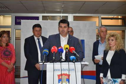 """""""Iza nas ne stoje zarobljene institucije"""" Rado Savić ističe da je SDS stranka fenomen"""