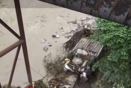 Poplave zahvatile Rumuniju: Iz rijeke izvađeno tijelo muškarca (VIDEO)