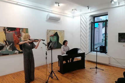 Publika je uživala u djelima domaćih i stranih autora: Violinistkinja Natalija Todorović održala koncert u Novom Gradu