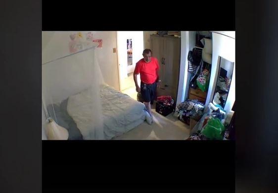 STANODAVAC IZ PAKLA Sačekao da djevojka izađe iz stana, pa ušao i započeo bizarnu igru (VIDEO)