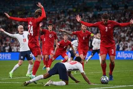 """""""NIJE BIO PENAL"""" Legendarni golman smatra da je sudija oštetio Dansku protiv Engleske, mnogi se slažu s njim (VIDEO)"""