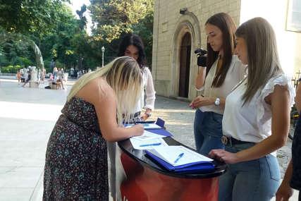 """""""Ovo je pitanje od nacionalnog interesa"""" Potpisivanje peticije protiv Inckove odluke u Trebinju"""