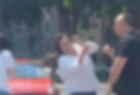 UHAPŠEN AJKULIN BRAT Snimljen kako šamara dvije žene nasred ulice (FOTO)