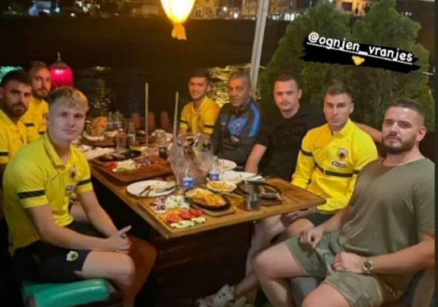 VRANJEŠ DOMAĆIN Igrači AEK završili u poznatom sarajevskom restoranu