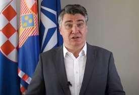 PROSTAČKI VRIJEĐAO VUČIĆA Milanović nastavio sa pubertetskim prozivkama