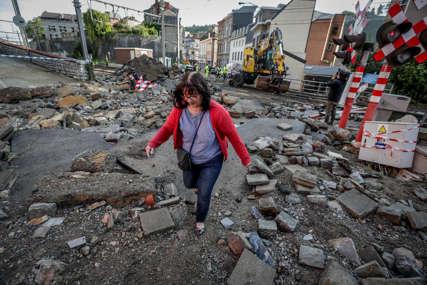 Nevrijeme pretvorilo ulice u bujice: Oluja nosila automobile i pločnike