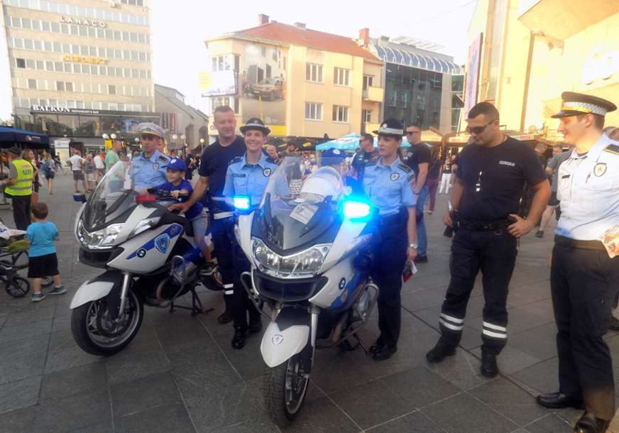 PREVENTIVNA KAMPANJA POLICIJE Vozači automobila da obrate pažnju na motocikliste