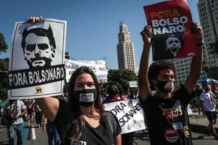 Desetine hiljada ljudi protiv Bolsonara: Protesti zbog odnosa vlasti prema pandemiji