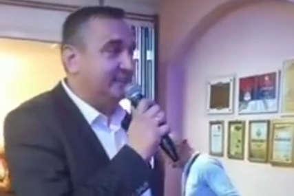 Zapjevao i gradonačelnik Prijedora: Dodik DOBIO KONKURENCIJU (VIDEO)