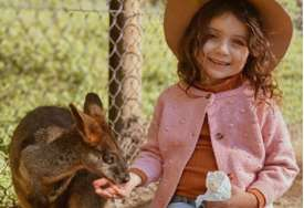 Uspjela je da se izbori sa opakim tumorom: Hrabrost ove male djevojčice je svakodnevna inspiracija mnogima (FOTO)