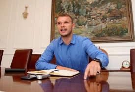 """""""Na jesen predlažem smanjenje plata funkcionerima"""" Stanivuković tvrdi da nema devet savjetnika"""