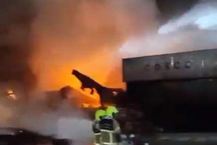 STRAŠNA EKSPLOZIJA U DUBAIJU Detonaciju u luci osjetili u većem dijelu grada (VIDEO)