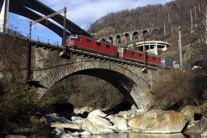Incident u Austriji: Voz iskočio iz šina