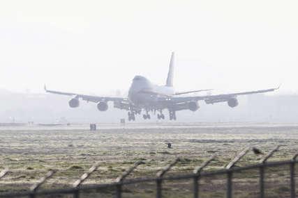 Tinejdžer pokušao da otme komande pilotu aviona: Rekao policiji da je htio da se ubije