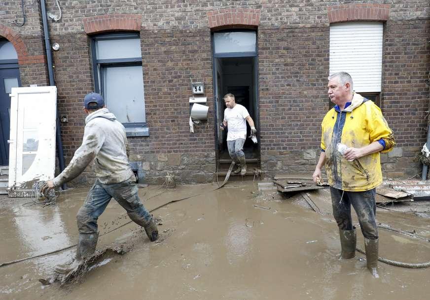 Nabujale vode probile nasip u Mersenu: Stotine ljudi evakuisano iz kuća