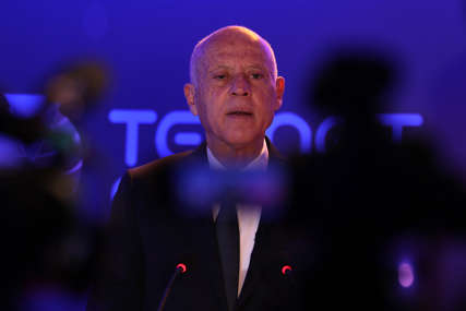 Reagovala i Bijela kuća: Amerika poziva predsjednika Tunisa na brz povratak demokratskom putu