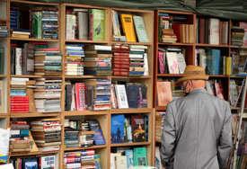 """Za biblioteke u Srpskoj 1.000 knjiga """"Cilj nam je da podstičemo ljude da više čitaju"""""""