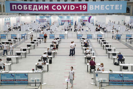 Rusija muku muči sa koronom: Za dan preminulo više od 800 osoba