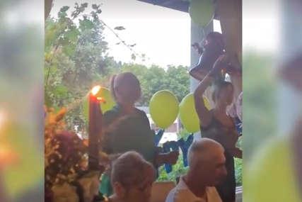 BAKA ĐUSKA, NE STAJE Miljana ipak došla na rođendansko slavlje sina (VIDEO)