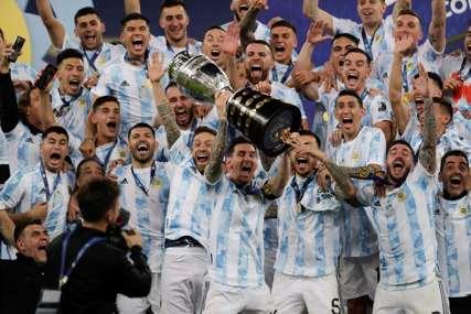 SKINUO PROKLETSTVO Mesi osvojio trofej sa Argentinom (VIDEO)