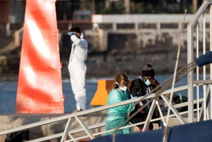STRAŠNA NESREĆA Utopilo se 43 migranata kod obale Tunisa