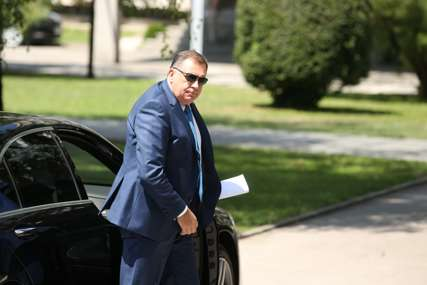 """Može li Dodik biti procesuiran? """"Srpska će zabraniti primjenu Ešdaunovog i donijeti svoj zakon o imunitetu"""""""