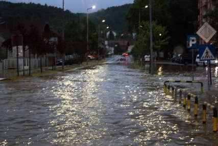 Podrška Republičke uprave civilne zaštite Modriči: Sutra stižu vodene pumpe, isušivači vlage i dezinfekciona sredstva
