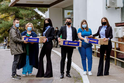 MOZZART UZ MEDICINARE Vitaminski paketi stigli u oko 25 gradova širom zemlje (FOTO)