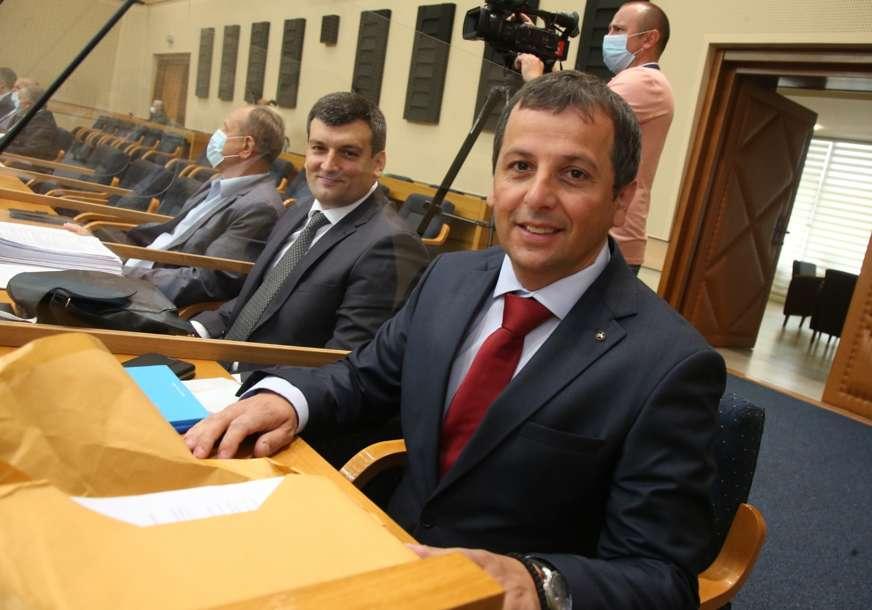"""""""Nećemo se zadugo gledati"""" Vukanović opet """"raskinuo"""" s opozicijom, zamjerio im što su izabrali Nešića"""