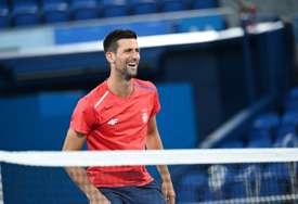 ĐOKOVIĆ SE POVUKAO Srpski teniser odustao od turnira
