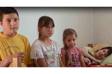 Djeca više nikada neće čuti glas majke: Vedranu je bolest prikovala za krevet, petočlana porodica preživljava sa 330 KM