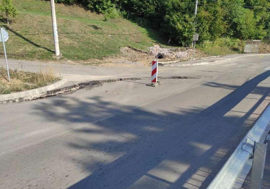 Probleme napravilo klizište: Počela sanacija puta u Priječanima