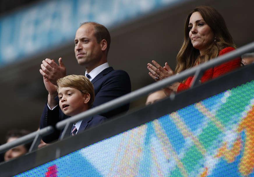 Princ Džordž napunio osam godina: Kejt je objavila rođendansku fotografiju sina (FOTO)