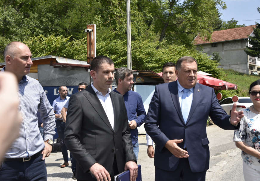 NAPOKON Počela obnova puta Banjaluka-Toplice, radovi koštaju 1,1 milion maraka (FOTO)