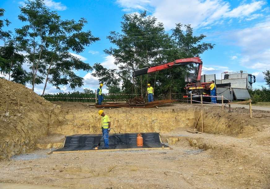 Rješavanje višedecenijskog problema u toku: Intenzivirana gradnja prepumpne stanice sa rezervoarom na Klupama