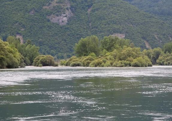 """Svjedoci o tragediji na Drini """"Majka ga je molila da ne ulazi u vodu, otišao je do pola rijeke i U TRENU NESTAO"""""""