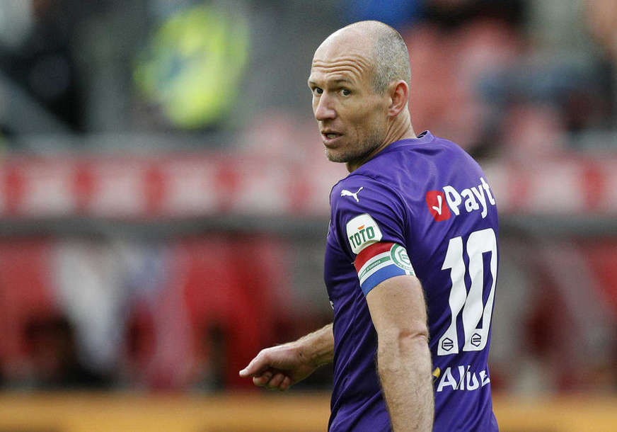 DEFINITIVAN KRAJ Roben ide u fudbalsku penziju